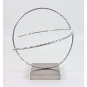 MORICONE ROBERTO - Escultura em aço , não assinada. Brasil Sec XX. - 30 x 30 x 30 cm