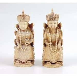 Par de Imperadores finamente trabalhado em marfim - 15 cm alt, cada . China Sec XIXXX.