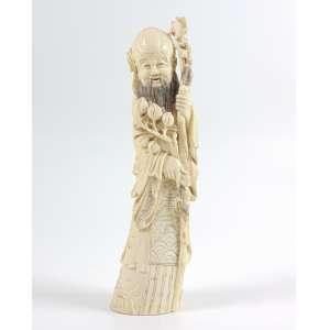Escultura em Marfim finamente trabalhado , representando Ancião . China Sec XIXXX- 25 cm alt.
