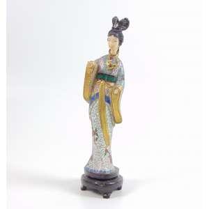 Dignitária em cloisonee e marfim - 21 cm alt . China Sec XX.(no estado)