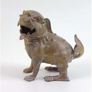 Cão De Fó de bronze fundido . China Sec XX - 16 cm alt.