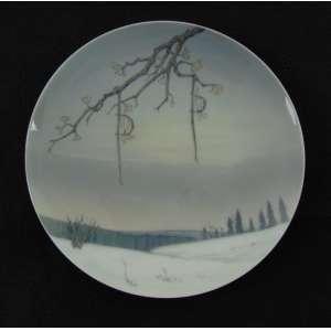 Prato de porcelana esmaltada decoração de paisagem , manufatura Royal Copenhagen - 20 cm diâm.