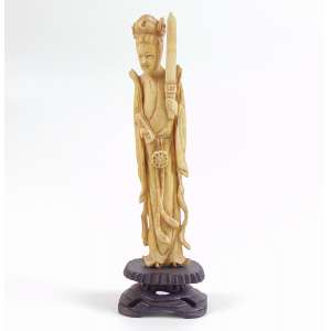 Escultura em Marfim representando Guainin - 17 cm alt China Sec XX