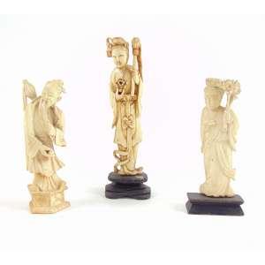 Lote com 3 Esculturas de marfim - 15 cm alt. maior China Sec XX