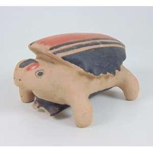 Arte Indigena - Cerâmica em forma de Tartaruga - Etnia Suyá - médio Xingú - 12 x 14 x 24 cm.