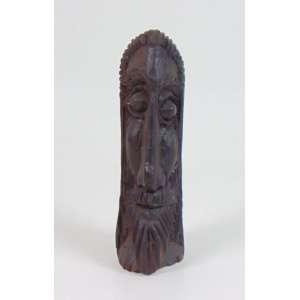 Bolão - Cabeça masculina - madeira entalhada - assinada - 24 x 7 x 10 cm.