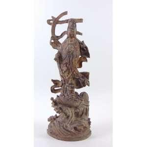 Escultura em bloco unico de madeira finamente trabalhada com resquícios de douração , representando Guanyn Deusa da Misericórdia . Japão Sec XIX - 56 cm alt. (no estado)
