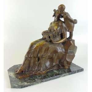 EMENDABILE GALILEU - Caridade - escultura em bronze fundido e patinado sobre base de mármore - Brasil Séc XX - 38 cm alt, 36 x 19 cm. (Base no estado)