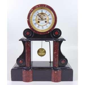 Relógio de mesa em mármore ,belo mostrador . NO ESTADO . Europa Sec XIX. 45 cm alt, 37 cm compr, 15 cm prof -