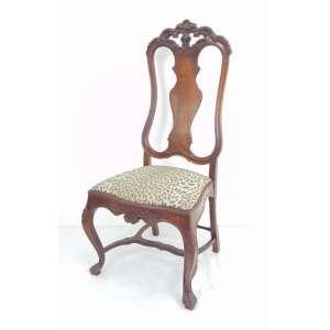 Cadeira em madeira de lei n puro estilo D. José I . Brasil Sec XX. - 120 cm alt, 58 cm compr, 45 cm prof. não contém assento