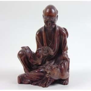 Escultura de madeira finamente entalhada com pequeos detalhes em marfim e vidro , representando Ancião - 20 cm alt. Japão Sec XIXXX