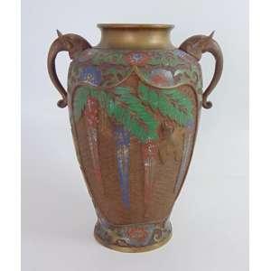 Ânfora em bronze e esmalte Cloisonee decoração floral . China Sec XIXXX - 38 cm alt, 23 cm diâm.