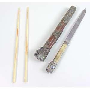 Porta Hashi e punhal em metal esmaltado - 30 cm alt.