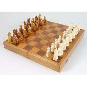 Jogo Xadrez executado em fino marfim , qualidade das peças atribuídas ao periodo Meiji -Japão Sec XIX. completo , acompanha caixa tabuleiro atual.