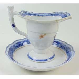 Molheira de porcelana acompanha presentoir de porcelana esmaltada da Cia das Índias .China Sec XVIII - 11 cm alt.(NO ESTADO)