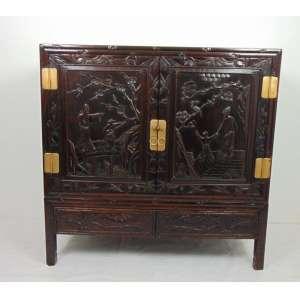 Móvel em madeira lavrada decorada China - 115 cm alt, 116 compr, 48 prof.