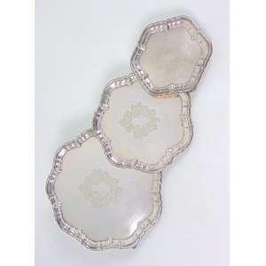 Conjunto de 3 salvas de metal prateado - Hard Soderel - maior medindo 26 cm alt, menor medindo 15 cm alt.