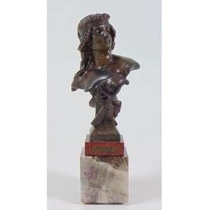 Escultura em bronze representando Salomé - 15 cm alt.