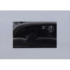 ROSÂNGELA RENNÓ - Cerimônia do Adeus II - Fotografia em papel de gelatina e prata - ed. 59/100 - Ass. verso - 1997/2001 - 30 x 40 cm (12x19 cm só a foto) - com certificado da Galeria Luisa Strina.