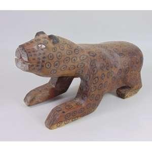Arte Indígena - banco representando onça sentada - etnia waurá - 25x20x53 cm.