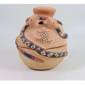 Arte Indígena - urna cerimonial em cerâmica policromada - etnia waurá - alto xingú - 25x21x21 cm