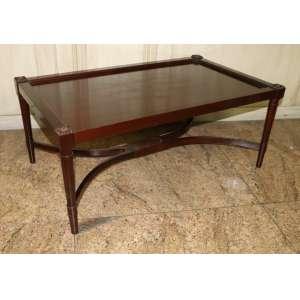 Mesa de centro em madeira de lei, estilo inglês, 40cm x 1m x 60cm.