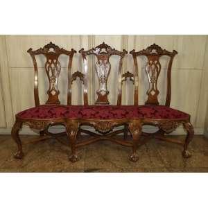 Jogo de cadeirado de madeira de lei trabalhada, estilo D. José I, composto por cadeirado e quatro cadeiras, Brasil, século XIX/XX.