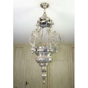 Grande lampadário Sabará de prata de lei repuxada, 1,20m x 40cm, Brasil, século XVIII/ XIX.