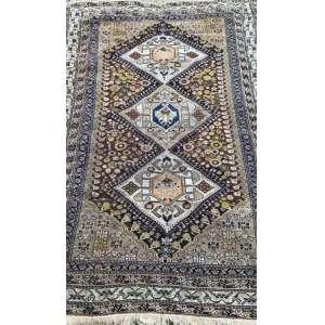 Tapete iraniano, Shiraz Qashgai, manufatura manual, 1,90m x 1,22m (no estado).