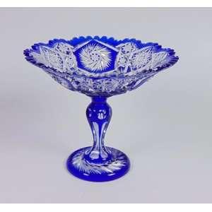 Centro de mesa de cristal overlay em azul cobalto, manufatura Baccarat, 23cm x 28cm, França, século XIX.