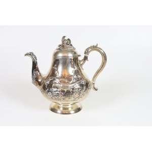 Bule de chá de prata de lei, ricamente trabalhado, contraste da cidade de Londres, período vitoriano, 21cm x 24cm, Inglaterra, século XIX.