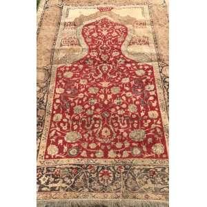 Tapete albanês, manufatura manual, 1,20m x 1,80m (no estado).