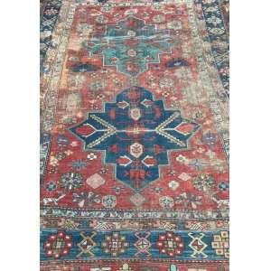 Tapete caucasiano, Kazak, manufatura manual, 2,74m x 1,82m (no estado).