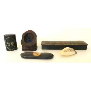 Lote com cinco caixas antigas de diversos materiais e procedências -comprimento maior 22cm