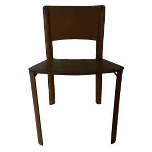 Lote com dez cadeiras de estrutura de metal e revestimento de couro - seis cor de areia e quatro bordôs - modelo cadeira club fabricadas em 83 por Cerno Indústria e Comércio de Móveis Ltda - altura 75cm