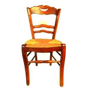 Três cadeiras de satin wood, torneadas e recortadas, assento de junco enrolado - procedência européia - 42cm x 38cm x 89cm