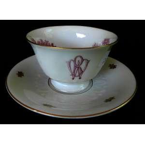 Xícara de chá de porcelana Rosenthal, Bavaria com monograma e pintura interna de paisagem