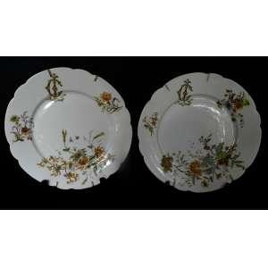 Par de pratos de porcelana monogramados - L C - decorados com flores e ramos - Ch. P. Mehur - France - diâmetro 25cm