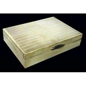 Caixa para cigarros de prata de lei guilhochada na tampa - 11cm x 8cm x 2.5cm