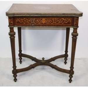 Mesa marchetada reversível - a mesa de jogo 77 cm alt, fechada 70 x 46 cm - aberta 91 x 70 cm.