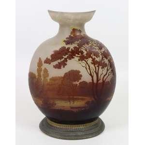 GALLÉ EMILLE-vaso de vidro artístico decorado com delicada cena de paisagem ornamentando por bronze , estilo e época Art Noveaux - França Sec XIXXX– 33 cm alt.