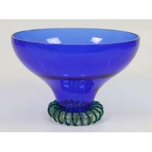 BARBINI ALFREDO - Vaso de vidro artístico moldado de Murano tons em Azul Cobalto , assinado - 17 cm alt, 24 cm diâm.Alfredo Barbini, um artista de vidro nascido em 1912 nas ilhas de Murano, na lagoa de Veneza, Itália,foi uma das principais figuras de Murano no século XX. Seus pais eram membros de famílias que tinham sido proeminentes na indústria de fabricação de vidros em Murano por gerações como sopradores de vidro e fabricantes de contas.