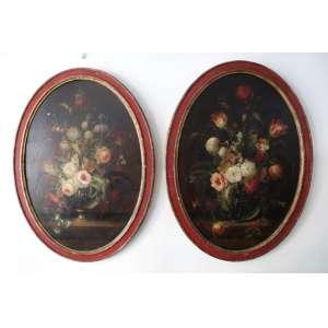 Par de pintura ovais representando Flores - OST - CID - CIE - 88 X 62 CM (Tela craquelada com perca de matéria)
