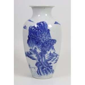 Vaso de porcelana esmaltada decoração azul e branco - China Séc. XX - 37 cm alt, 17 cm diâm.