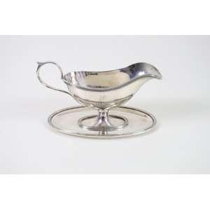 Molheira de prata de lei teor 800 - Itália Sec XX. 13 cm alt, 22 comp, 13 cm largura.