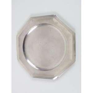 Travessa de prata de lei teor 800. Italia Sec XX. 27 x 27 cm.
