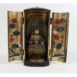 Oratório Budista com escultura de Buda no interior - 18 cm alt, 08 cm larg. 06 cm compr.