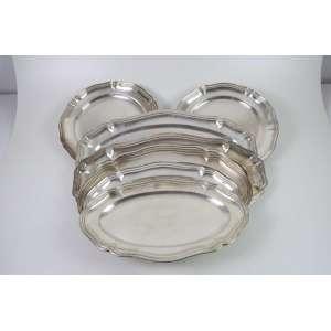 Baixela de prata de lei composta por 8 peças , teor 800. Itália Sec XX