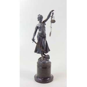Escultura em metal prateado manufatura WMF representando a justiça Alemanha - Séc. XX - 28 cm de alt.