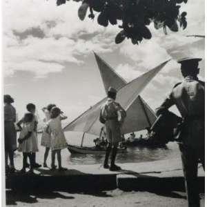 Pierre Verger - Monte Serrat, Salvador-Br - Fotografia - edição 5/7 - carimbo da Fundação Pierre Verger no cid - 39x38 cm.